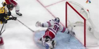 Rangers Keeper schiebt Puck ins eigene Tor und leitet Niederlage ein!
