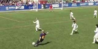 Hier packt der Mini-Messi im U10-Clasico den Zauberfuß aus