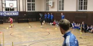 Hoppala: Hier scheitert Müller am Okocha-Trick