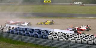 Formel 4 – Überraschungssieg nach Massencrash