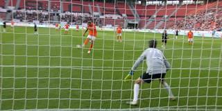 Alu-Pech: Nowitzki verschießt Elfmeter
