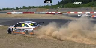 TCR: Geschwister Halder glänzen am Nürburgring