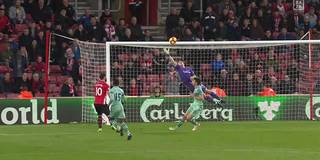 Erster Sieg! Hasenhüttl feiert dank Leno-Patzer gegen Arsenal