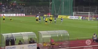 Dieser Zauberfreistoß bringt den BVB ins U19-Bundesliga-Finale.