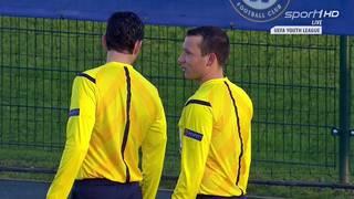 Schiedsrichter beim Elfmeter-Skandal in der Youth League