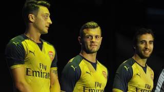 Mesut Özil bei der Trikotpräsentation