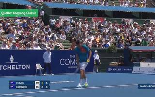 Tennis: Irrer Matchball von Bernard Tomic vs. Nick Kyrgios