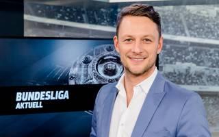 Jochen Stutzky moderiert auf SPORT1 unter anderem Bundesliga Aktuell