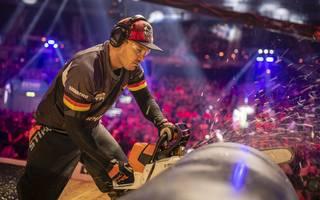 Robert Ebner beim STIHL Timbersports WM 2018 an der Säge