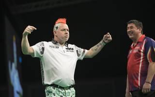 Peter Wright und Mensur Suljovic lieferten sich ein dramatisches Halbfinale