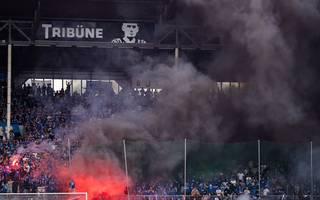 Anhänger von Waldhof Mannheim sorgten für schwere Ausschreitungen beim Playoff-Spiel ggen Uerdingen