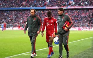 Kingsley Coman musste beim Spiel des FC Bayern gegen Hertha BSC früh wieder verletzt ausgewechselt werden