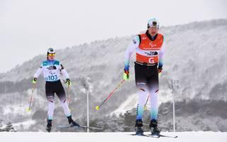 Clara Klug (l.) gewann im Biathlon Bronze