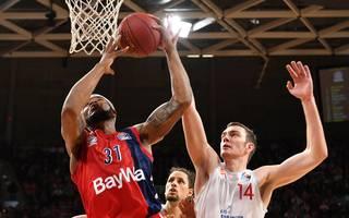 Basketball: Philipp Herkenhoff von Rasta Vechta meldet sich für NBA-Drafts an, Philipp Herkenhoff (rechts) spielt beim Überraschungsteam aus Vechta