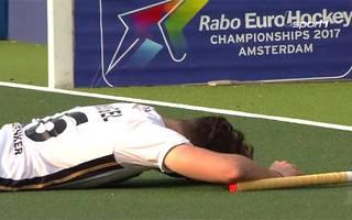 Im Penalty-Schießen unterliegen die deutschen Hockey-Herren den Belgiern im Halbfinale.