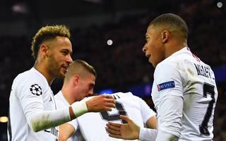 Neymar (l.) und Mbappe (r.) müssen laut einem Zeitungsbericht verkauft werden - PSG dementiert