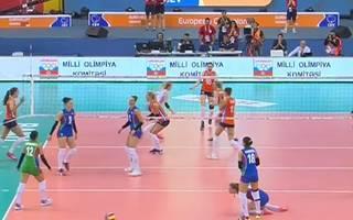 Die Niederländerinnen stehen nach einem Fünf-Satz-Krimi im Finale der EM