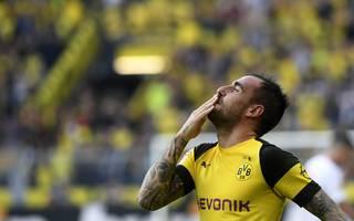 Paco Alcacer bleibt offenbar über die Saison hinaus beim BVB