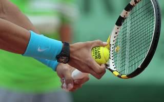 Tennis Tennisarm Der Tennisarm kann auch bei Tätigkeiten im Alltag auftreten