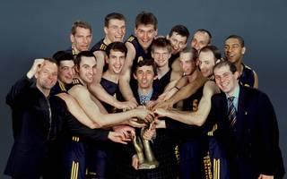 Trainer Svetislav Pesic (M.) führte ALBA Berlin 1995 zum Gewinn des Korac Cup
