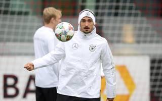 Marco Reus fehlt DFB-Team im Training, Mats Hummels wieder dabei, Mats Hummels steht nach seiner Erkältung wieder auf dem Platz