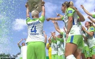 Frauen-Bundesliga: VfL Wolfsburg feiert Meisterparty - Kölner Schlussfrau stark