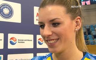Britt Bongaert freut sich auf Darts WM mit Michael van Geerwen und van Barneveld