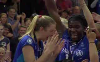 Die Siegerehrung von Allianz MTV Stuttgart in der Volleyball Bundesliga