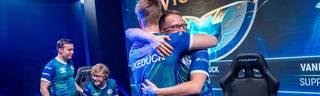 Mit einem starken Auftritt zieht der FC Schalke 04 erstmals in das Finale der EU LCS von League of Legends ein. Damit rückt die WM-Teilnahme in greifbarer Nähe
