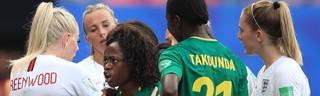 Das Spiel von England und Kamerun bei der Frauen-WM hatte einige unschöne Szenen