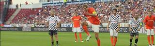 Champions for Charity: Dirk Nowitzki kopiert Elfmeter von Simone Zaza