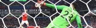 Kroatiens Torwart Danijel Subasic hält bei der WM gegen Russland einen Strafstoß