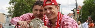 Arjen Robben (r.) und Mark van Bommel spielten von 2009 bis 2011 gemeinsam für den FC Bayern
