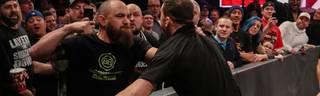 WWE Monday Night RAW: Ronda Rousey und Ehemann Travis Browne schlagen zu