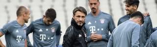 Niko Kovac (M.) gastiert mit dem FC Bayern bei AEK Athen