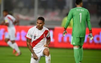 Paolo Guerrero (l.) darf doch nicht mit zur WM