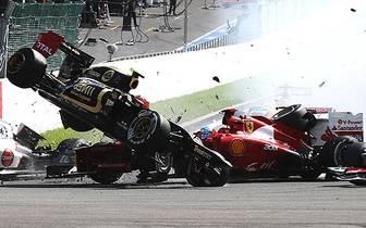 Der von Romain Grosjean ausgelöste Crash beim Belgien-Grand-Prix ist nur ein Unfall von vielen in der Formel-1-Historie. SPORT1 blickt auf die Tragödien der Königsklasse zurück