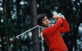Golfer Seve Ballesteros schwingt den Schläger