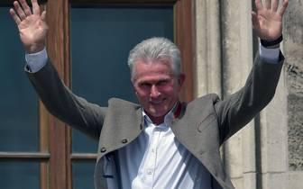 Ex-Trainer Jupp Heynckes wurde vom FC Bayern für seine Verdienste geehrt