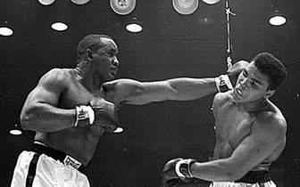 Sonny Liston, USA (verstorben 1970, angeblich ermordet), Boxen, ehem. Schwergewichts-Weltmeister, fünf Ja wegen Raubes (saß nur zwei Jahre ab)hre Haft