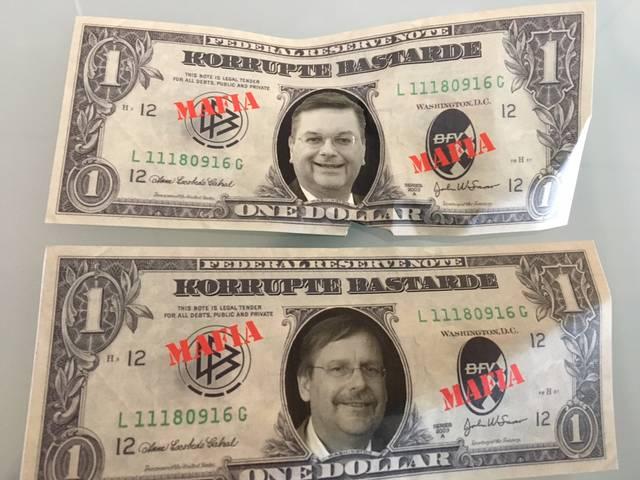 Diese Geldscheine wurden beim Fanprotest in die Luft geworfen