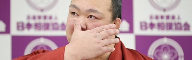 Japans Sumo-Held Kisenosato tritt unter Tränen zurück