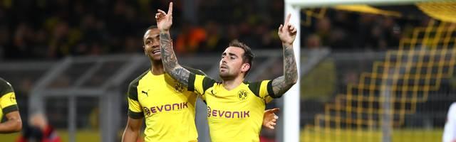 Paco Alcacer bejubelt ein Tor gegen den SC Freiburg