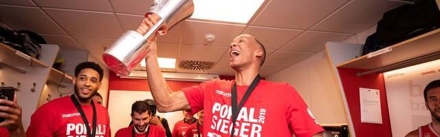 Basketball, BBL-Pokal: Brose Bamberg wie in alten Zeiten bei Pokalsieg