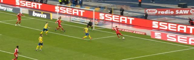 3. Liga: Eintacht Braunschweig - Hallescher FC (0:1): Highlights im Video