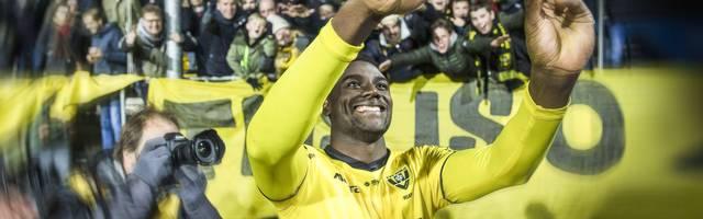 Peniel Mlapa hat wechselhafte Jahre hinter sich - nun spielt er bei Venlo groß auf