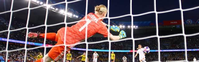Bei der Frauen-WM wurden mehrere Keeperinnen mit der Gelben Karte bestraft