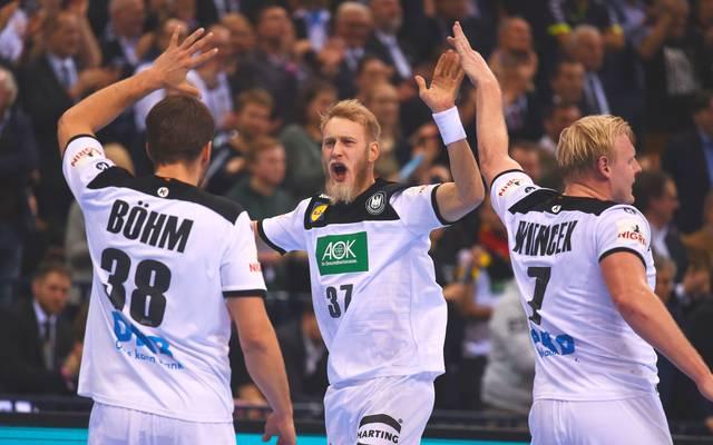 Die deutschen Nationalspieler um Fabian Böhm, Matthias Musche und Patrick Wiencek (v.l.) treffen beim Handball All Star Game auf eine Star-Auswahl der Liga