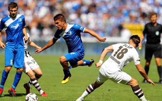 2. Liga: Aleksandar Ignjovski vom 1. FC Magdeburg verletzt, Aleksandar Ignjovski (mitte) spielt für den 1. FC Magdeburg