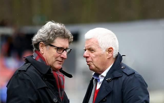 Toni Schumacher (l.) und Werner Spinner werden künftig vom 1. FC Köln bezahlt